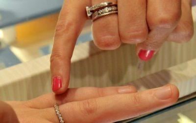 Pacs et mariages dans OUI! Salon Mariage Toulouse, Je répond aux questions du journaliste